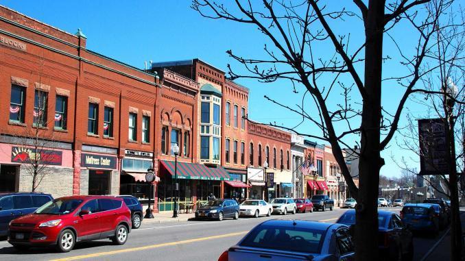 Hauptstraße in Seneca Falls - der Vorlage zur Filmstadt Bedford Falls