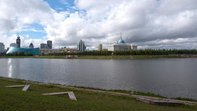 Fluß Ischim in Astana